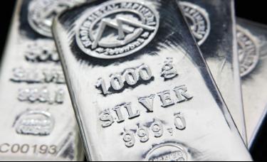 比黄金更闪耀!过去一年银价涨超70%,未来还能涨吗?