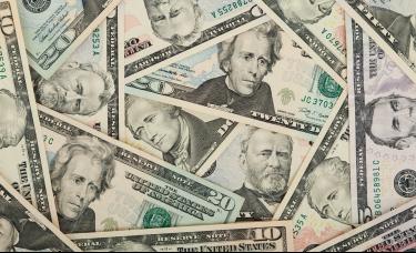 美国超级富豪撤离美债市场 持有规模降至17年来最低