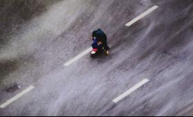"""外媒:台风""""山竹""""或重创亚洲 造成1200亿美元损失"""