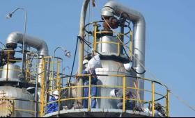嘉月解盘:12.11产油国出现不可抗力停产,国际油价可否顺势响应涨幅?