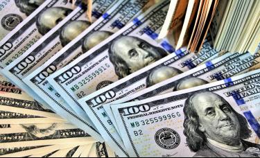 现货白银欧盘初涨超2%,美元下行压力恐加剧