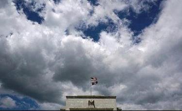 众议院提出弹劾特朗普,最快周二进行表决