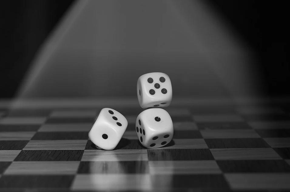 GPP高朋关系迷局:旗下三个平台大量客诉无法出金 摇身一变成了石头证券、卡迪夫